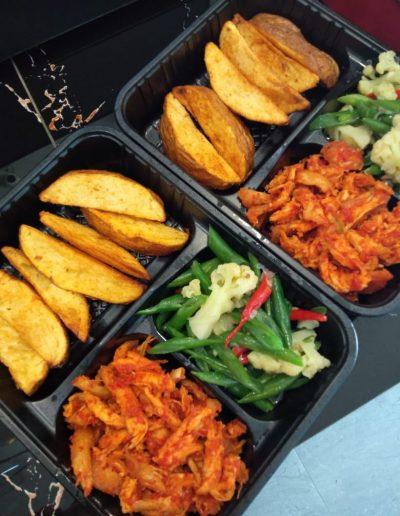 Potato Wedges, Cauliflower & Beans, Ayam Suwir Bali only 35,000