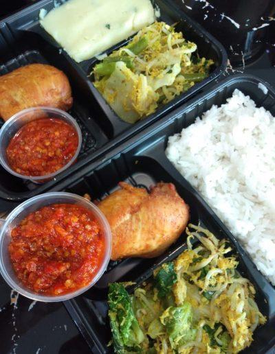 White Rice, Urap, Ayam Goreng & Sambal only 30,000